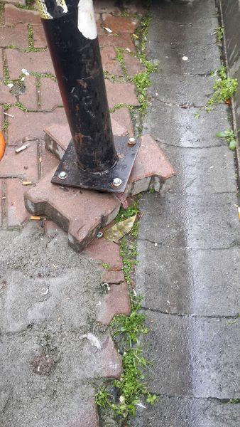 Hordozható parkolásgátló oszlop