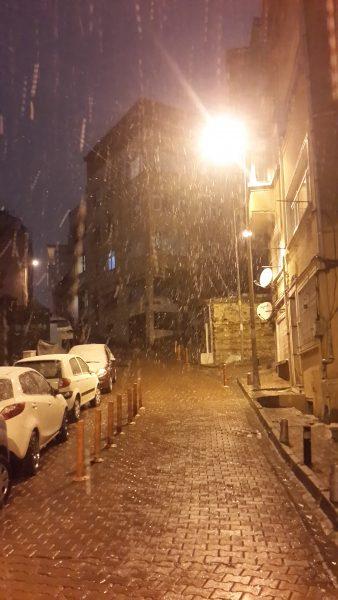 Ez még péntek este, amikor még csak kezdett havazni